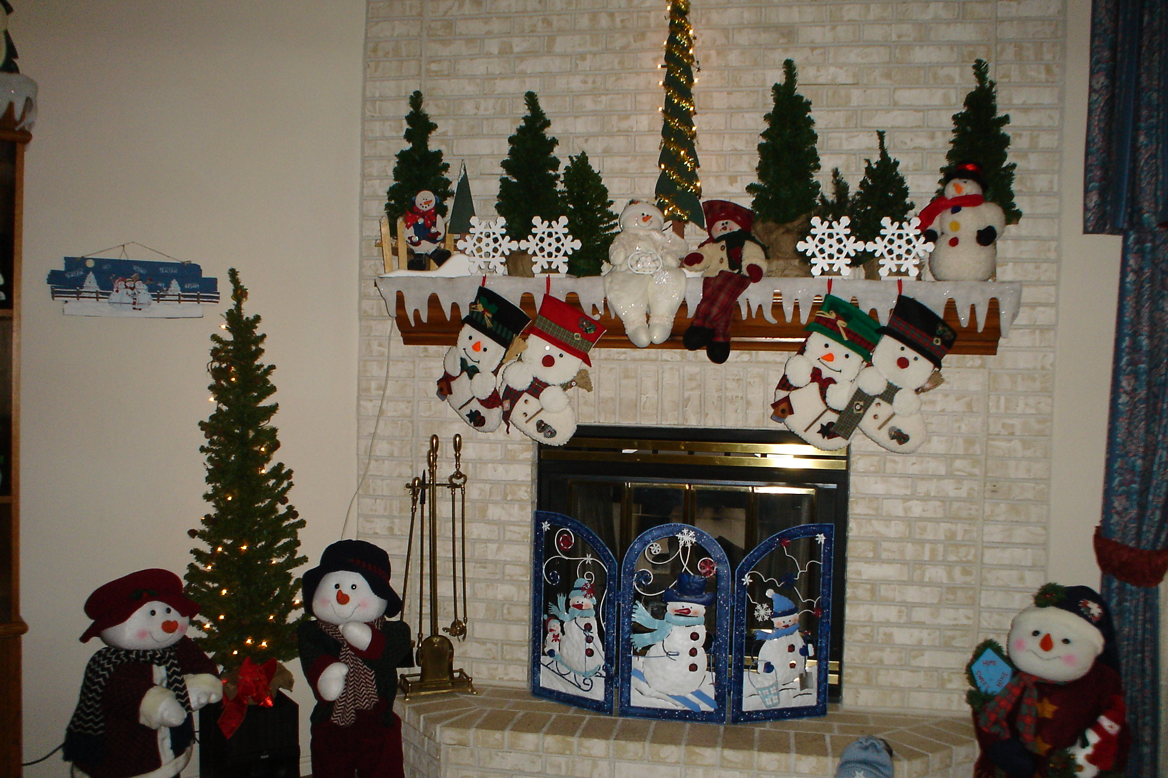 christmas-2006-decorating-013